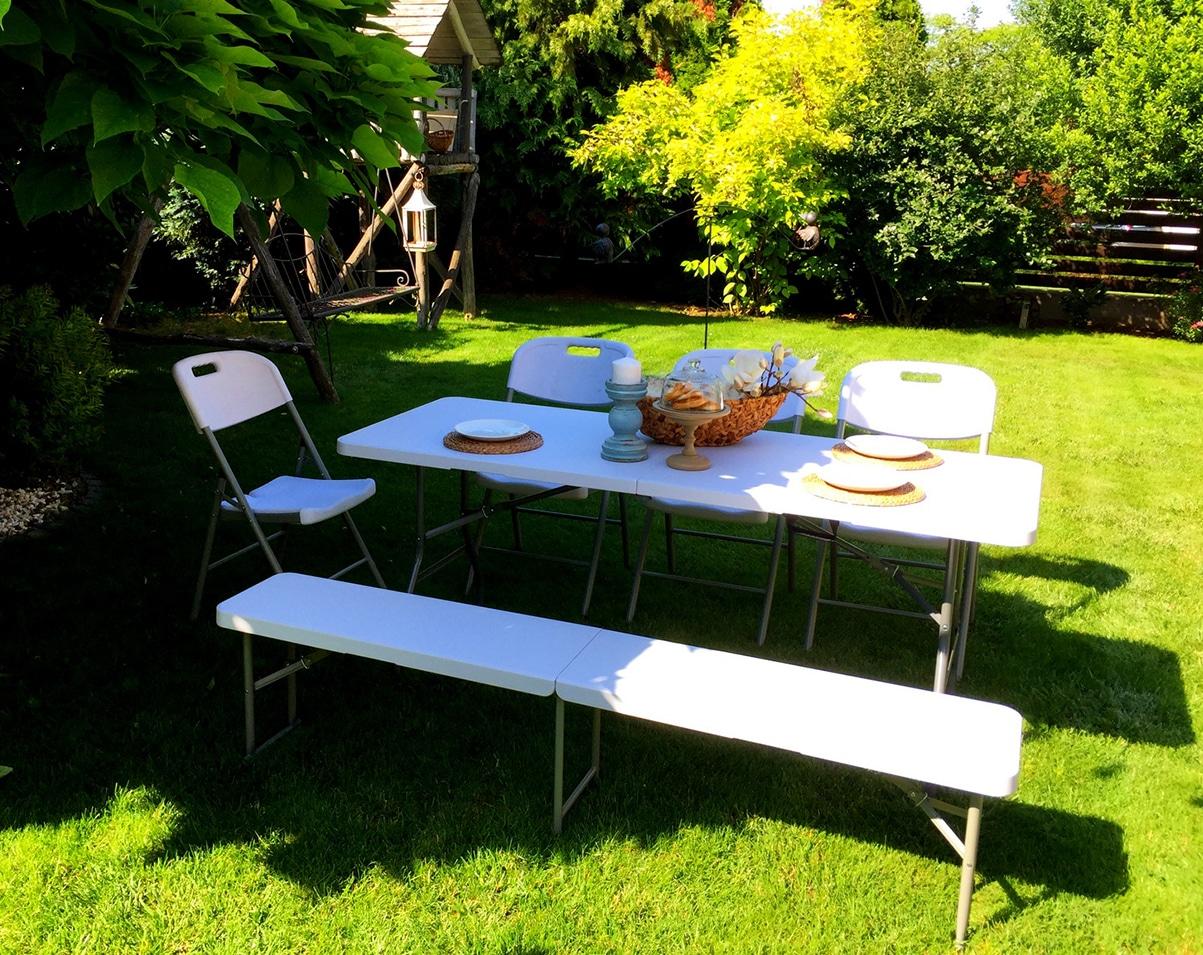 Egyszerűen összecsukható rendezvény asztal