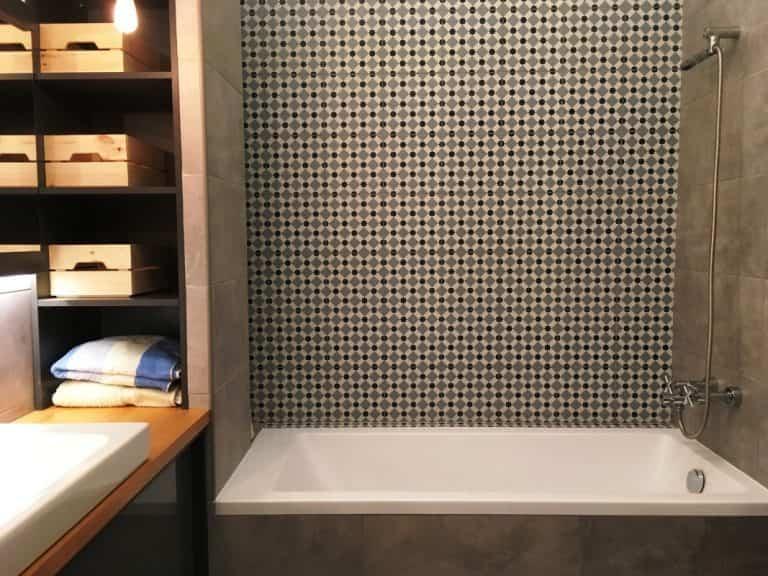 panel WC felújítás