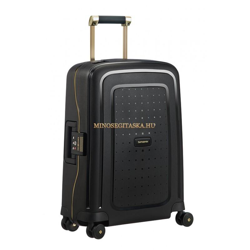 kézipoggyászbőrönd